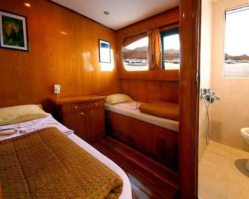 Twin Cabin on M/Y Carlton Motor Yacht in Sharm el Sheikh Egypt